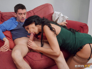 Ania Kinski - Your Mom Is Hotter FullHD 1080p