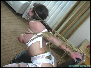Lola Lynn Takes off and is ChairTied - Gig 2