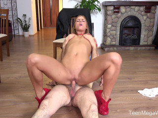 Chrissy Fox - Old man pays a hot delivery girl with sperm 1080p