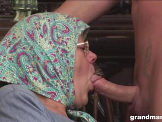 Knitting Grandmam