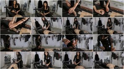 Mistress Zita – 30 Minutes Orgasm Control Part 2