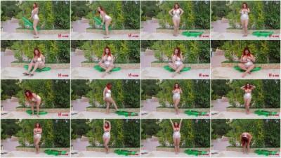 Lucy Vixen – Posing in Her Bodysuit — Full HD 1080p