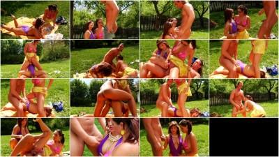 Daria Glower, Tatiana Milovani - Summerhouse of Fun
