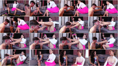 Sasha Foxxx And Jennifer - Foot Worship Training For New Chastity Slave