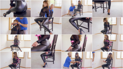 Mina Slick Leggings Chair Bound (2017)