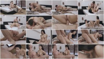 Nick fucks Valentina Nappis pussy – Voluptuous Girl (1080p)