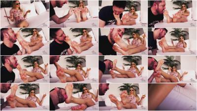 Naomi Swann - Rich Brat Foot Slavery