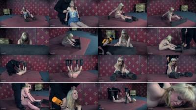 Tin Cans - video, english, girl.