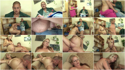 Sexy pregnant Mom: Monica