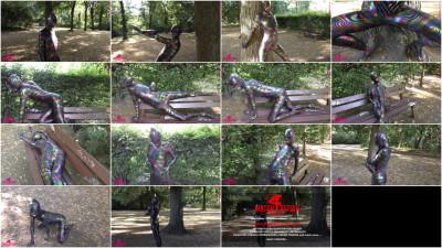 Samira - Secretly in the park