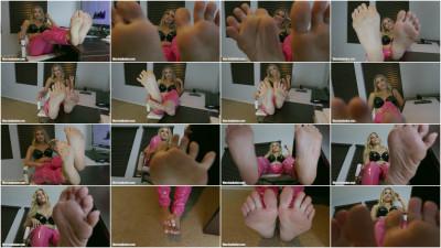 Foot Slapped Foot Pig
