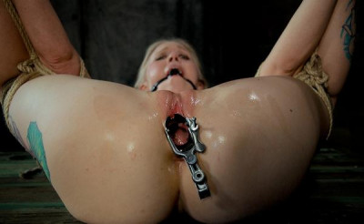 She loves to cum when she is tied up and contorted