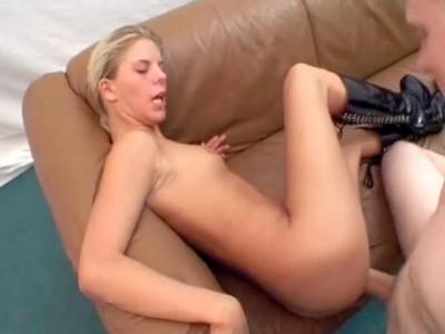 Download Blonde bitch fucking