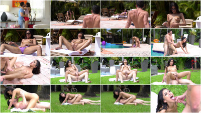 Sophia Leone — Exhibitionist Vacation