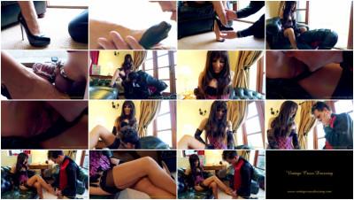 Mistress Annabelle. Stocking & Body Worship