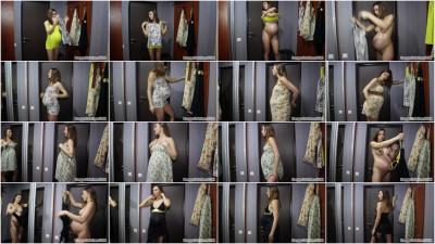 preggosabrina modeling dresses at weeks pregnant