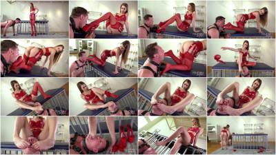 Jill Kassidy - Human Pedicure