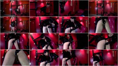 Mistress Susi - Slave Anal Plug And Inspection