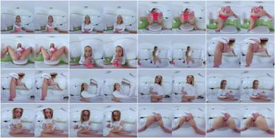 Peeing Alexis — Alexis Crystal — Full HD 1080p