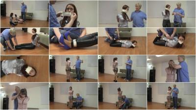 Madalynn Raye & Elizabeth Andrews : Madalynn's Introduction To Bondage