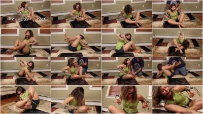 Rayna vs. The Finger Trap