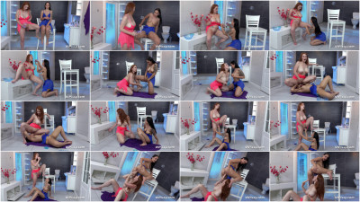 Isabella Lui and Jennifer Mendes Piss Showers