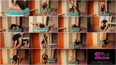 Schenja - Flexible body and gorgeous long legs