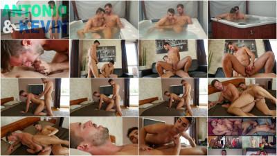 Kevin Falco and Antonio DeLuca have a hot bareback session