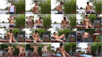 Bonus Video Hunky Straight Lad Lances Video Of His Photo