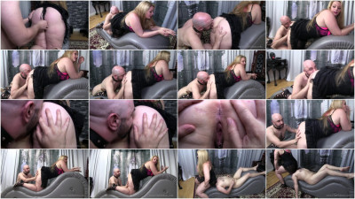Cleaning The Genitals - Princess Skylar