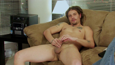 Download Stud with dreadlocks