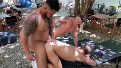 Bastian Karim, Allen King & Viktor Rom