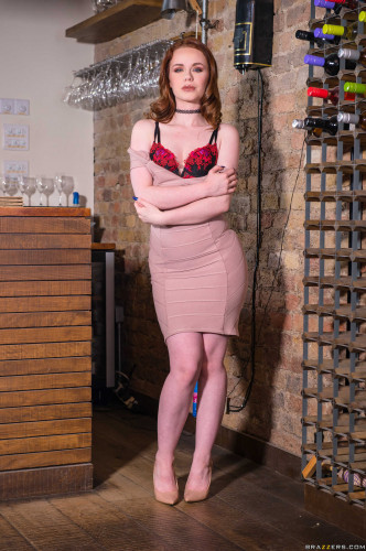 Description Ella Hughes - Sampling Her Goods FullHD 1080p