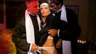 Description Silvia Saige - Anal Threesome FullHD 1080p