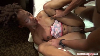 nice ebony slut Shelli ice taking lessons to fuck