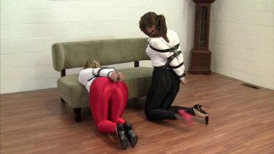Dakkota and Elizabeth Andrews - Product Testing the New Straps