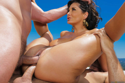 Description Sex With A Hot Pretty Milf In The Back Yard