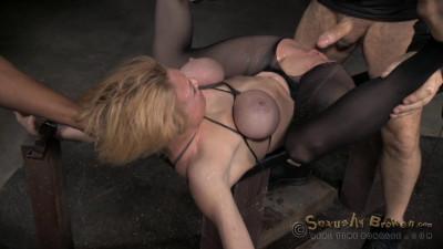Sexy blonde Milf Darling huge squirting orgasms