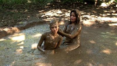 Muddy Pinays And Mud Action part 18