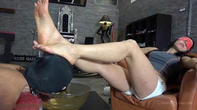 Hogtied Foot Rest – Mistress Gaia – Full HD 1080p