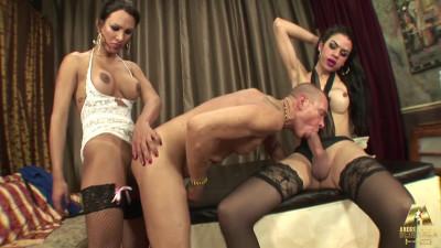 Description AndreaNobiliProductions Sandy Sandroval, Brenda Star Shemales in a Threesome