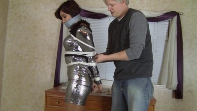 Enchantress Sahrye – Silver Dress Sahrye Is The Boss's Plaything
