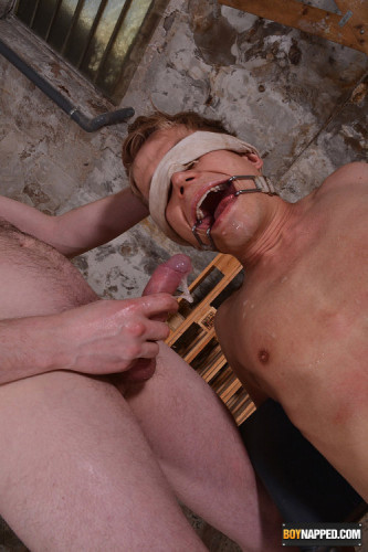 Face Fucked & Humilliated With Piss — Chris Jansen & Sean Taylor — Full HD 1080p