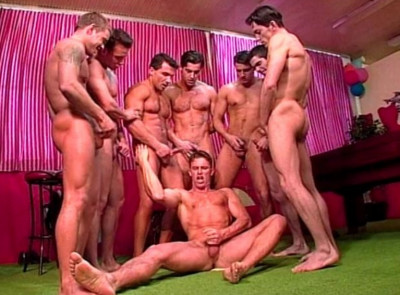 Sexy Men In Hard Gangbang