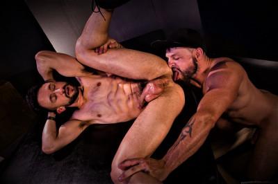 Beards, Bulges & Ballsacks!, Scene 5 Ryan Finch, Tex Davidson