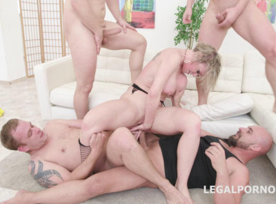Big Tits Milf Dee Williams Enjoys Rough 4on1 Gangbang With Dap