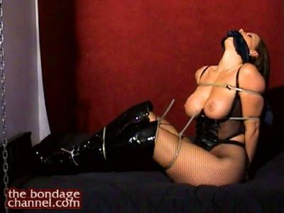 Christina Carter – Zip Tied Intimate BDSM