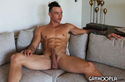 GH - Ripped Guy Jaylen Strong Jerks Off