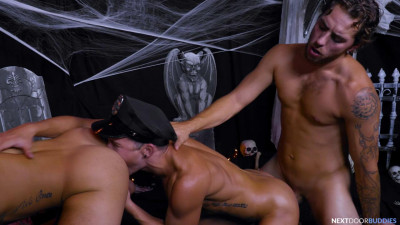 Carter Woods, Beaux Banks and Isaac Parker - Treats For The Slutty Tricks