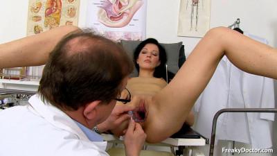 Lora (28 years girls gyno exam)